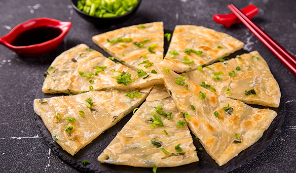 Chinese flatbread with green onion