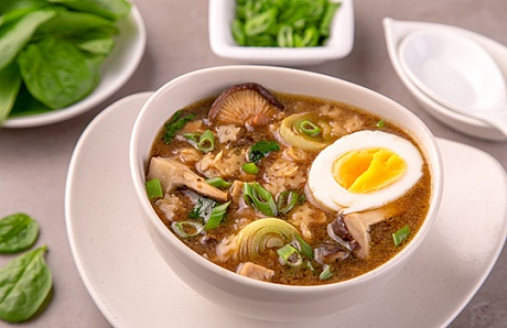 Ramen with Mushrooms, Macaroni and Egg