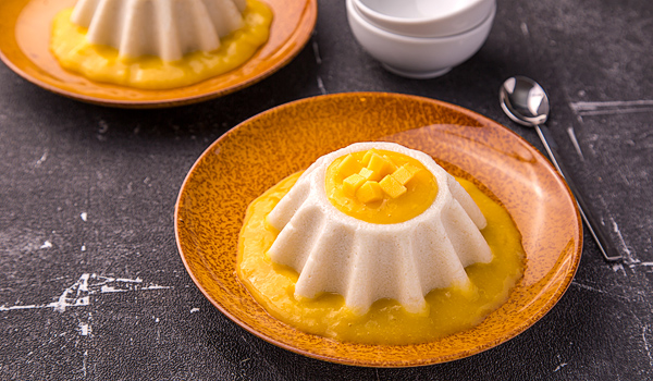 Thai Pudding with Coconut and Mango